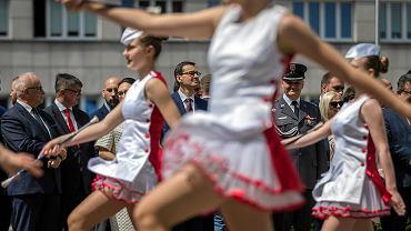 Premier rządu PiS Mateusz Morawiecki podczas pikniku patriotycznego - agituje w ostatni weekend przed wyborami do PE. Katowice, 18 maja 2019