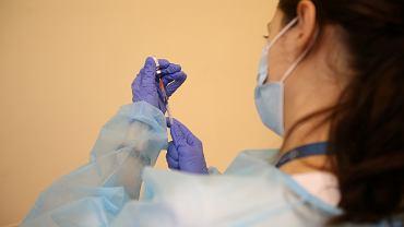 Szczepionka przeciwko COVID-19