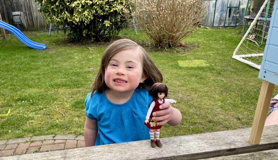 Sześciolatka z zespołem Downa dostała wyjątkowy prezent. Powstała lalka, która wygląda jak ona. 'To pomoże edukować inne dzieci'
