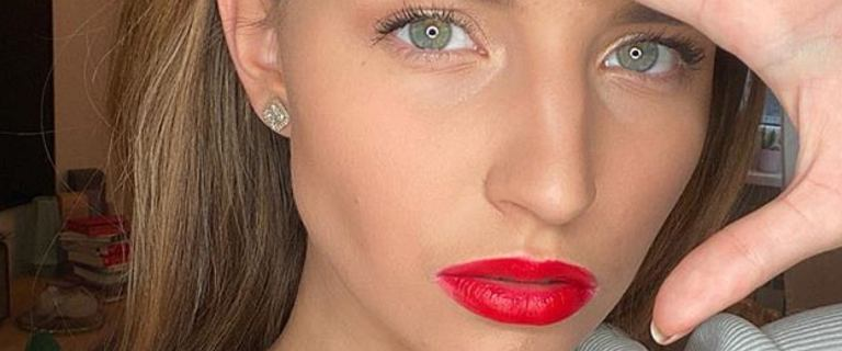 Julia Wieniawa bez makijażu i w pościeli na Instagramie