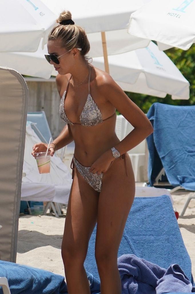 Sandra Kubicka w bikini