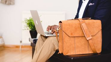 Torby na laptopa - na uczelnie lub do biura.