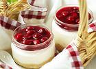 Oryginalny pomysł na wielkanocny deser: sernik w słoikach
