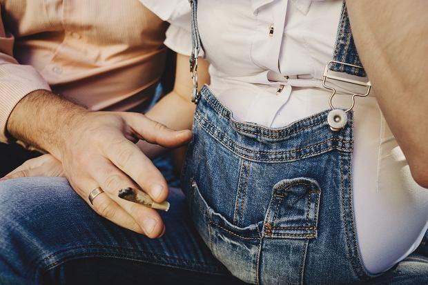700 matek przyznało się do palenia marihuany w ciąży. Eksperci: Dla ich dzieci może to mieć długofalowe konsekwencje