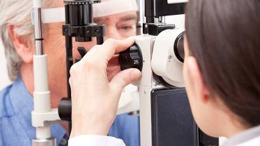 Jaskrą najbardziej zagrożone są osoby po 40 roku życia. Dzięki rutynowym wizytom u okulisty możliwe jest wczesne wykrycie choroby, a tym samym skuteczniejsze leczenie