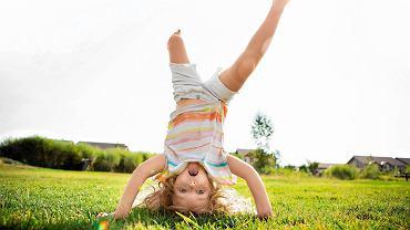 Szczęśliwe dziecko - poznaj kilka zasad, które sprawią, że osiągnięcie szczęścia będzie łatwiejsze