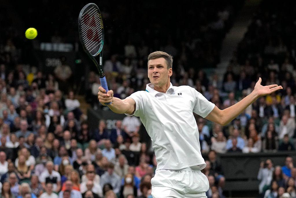 Hubert Hurkacz w meczu z Daniłem Medvedevem na Wimbledonie