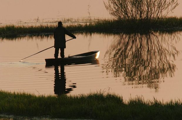 Dyszygubki - tradycyjne łodzie rybackie / Dolina Biebrzy - Polska / fot. Piotr Skórnicki / Agencja Gazeta