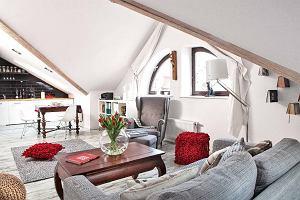 Poddasze użytkowe przerobione na jasne mieszkanie dla singla. Komfortowe 48 m kw. urządzone w ciekawym stylu