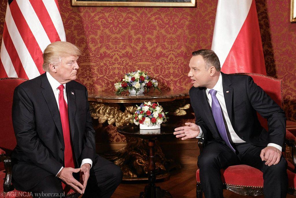 Prezydent USA Donald Trump i prezydent RP Andrzej Duda podczas spotkania na Zamku Królewskim. Trwa szczyt Inicjatywy Trójmorza, w którym obaj biorą udział. Warszawa, 6 lipca 2017
