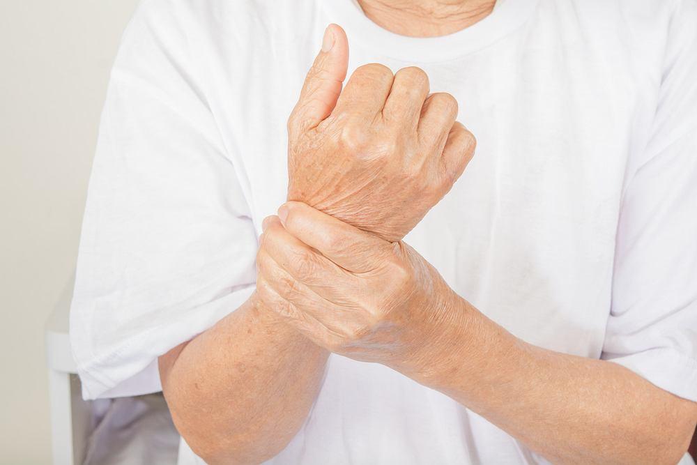 Entezofity (określane jako narośla kostne) to wyrośla kostne na granicy kości i przyczepu ścięgien.