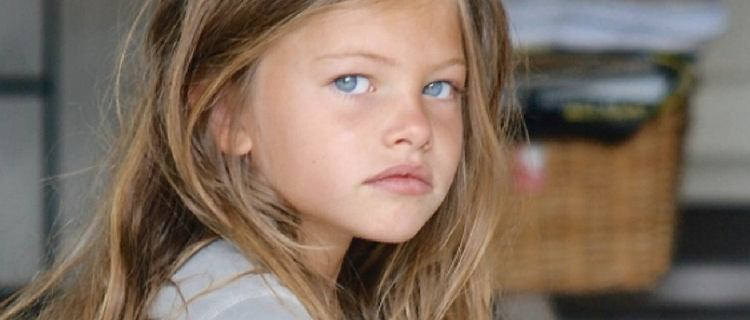 Najpiękniejsza dziewczynka na świecie zasłynęła jako dziecko kontrowersyjną sesją. Teraz ma 20 lat i cały czas jest modelką