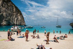 Polacy wiedzą, co dobre. Plaża w Grecji, którą chętnie odwiedzają polscy turyści, wybrana najpiękniejszą na świecie [RANKING]