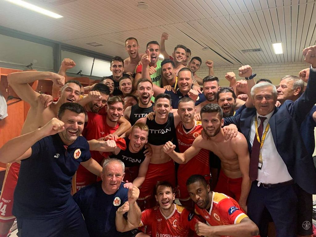 Zawodnicy Velez Mostar po wyeliminowaniu AEK Ateny