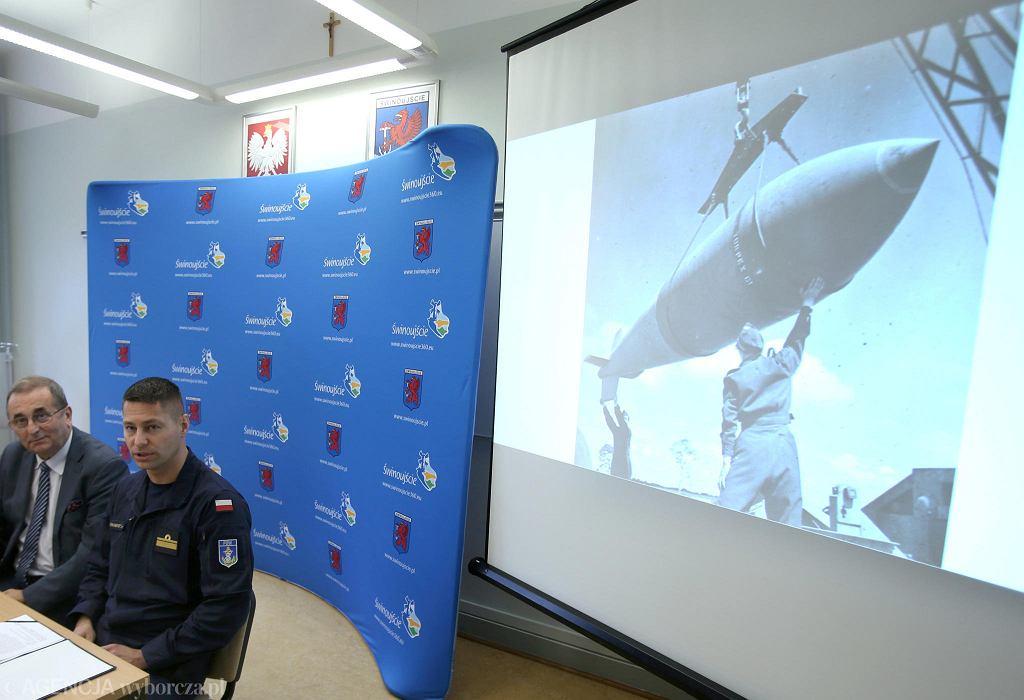 Świnoujście. Konferencja prasowa w sprawie unieszkodliwienia bomby tallboy