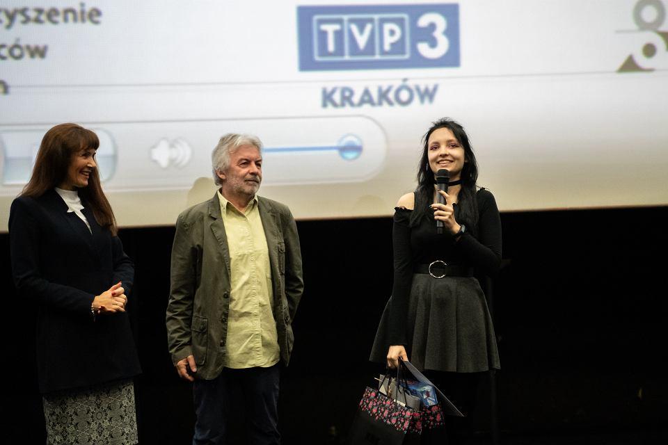 III Konkurs Filmowy - rozdanie nagród. Anna Korfel-Jasińska, Jerzy Armata i zdobywczyni I nagrody -  Izabela Kwaśniewska