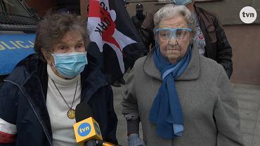Wanda Traczyk-Stawska i Hanna Stadnik na proteście przeciwko orzeczeniu TK