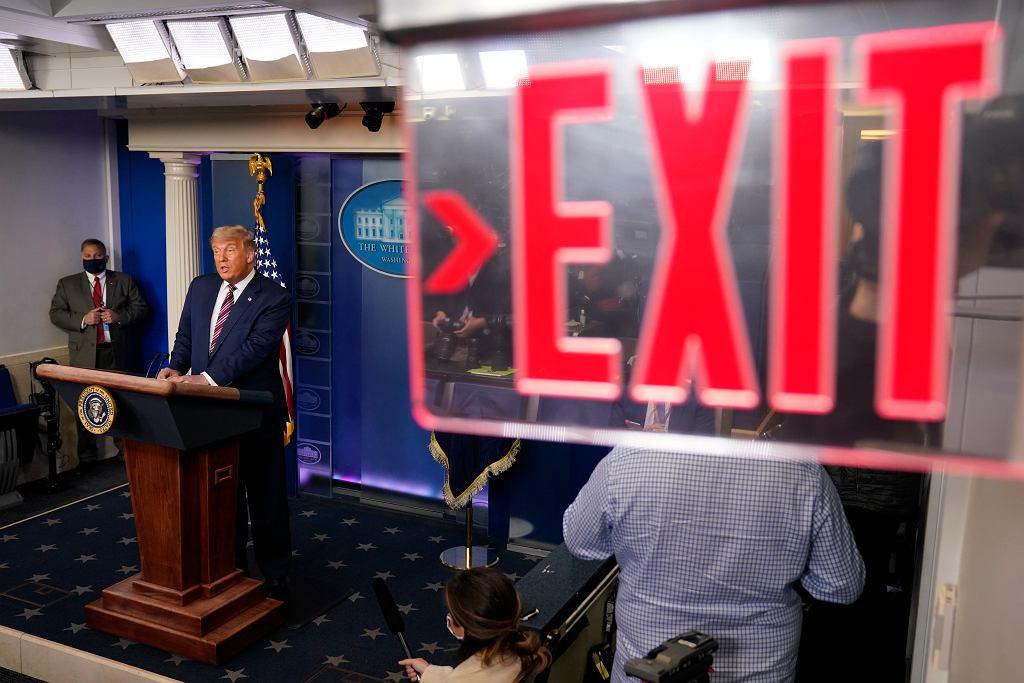 Donald Trump w czasie konferencji w Białym Domu