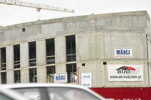 Na stadionie Widzewa rozpoczęto budowę widowni. Wkrótce dach