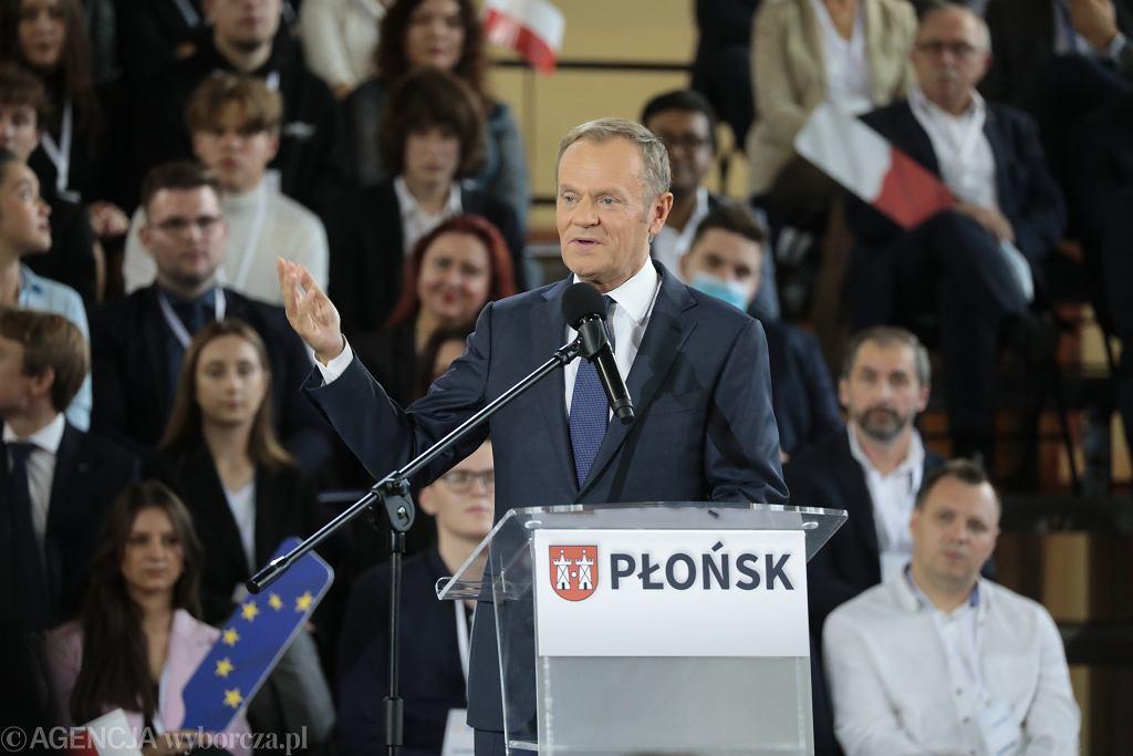Donald Tusk podczas Krajowej Konwencji Platformy Obywatelskiej w Płońsku.