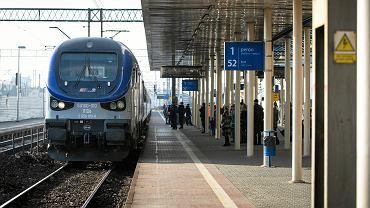 11.12.2019 Lublin . Testowy przejazd remontowaną linią kolejową Lublin - Warszawa , na odcinku Puławy - Lublin .