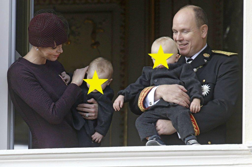 Księżniczka Gabriella i książę Jacques to dzieci księcia Alberta i księżnej Charlene z Monako. Bliźnięta mają 11 miesięcy i buźki tak słodkie, że zapomnijcie o dodawaniu cukru do dzisiejszej kawy.