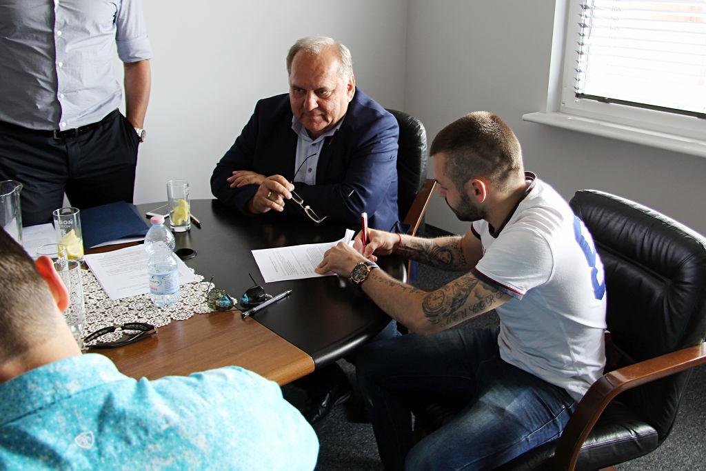 Spas Delev podpisuje kontrakt z Pogonią Szczecin