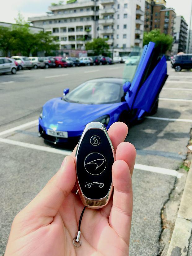 Ten kluczyk działa na pasjonata motoryzacji lepiej niż jakikolwiek afrodyzjak. Niepozorny, prawda?