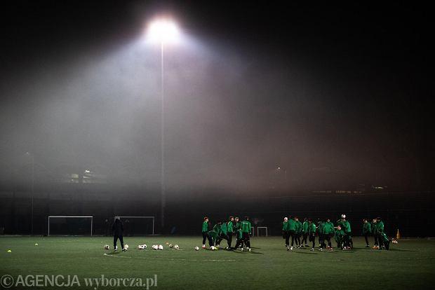 """Uprawianie sportu w smogu. Śmiertelne zagrożenie dla człowieka? """"Stany zapalne, alergie i zawały"""""""