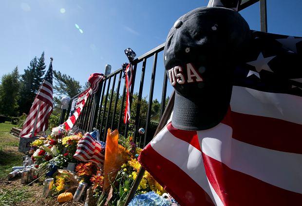 Las Vegas opłakuje ofiary niedzielnej strzelaniny. Motyw sprawcy wciąż pozostaje zagadką