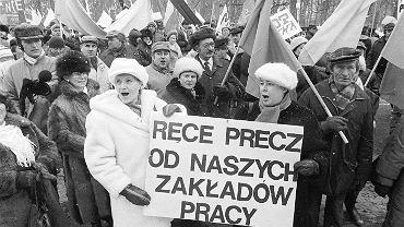 15 lutego 1991 , Warszawa . Demonstracja OPZZ przeciw prywatyzacji