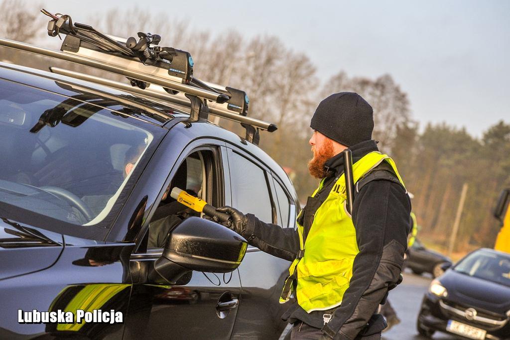 Poniedziałek 27 stycznia 2020 r. Policjanci kontrolowali drogę S3 w dniu rozpczęcia ferii zimowych w Lubuskiem