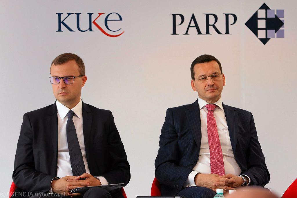 Mateusz Morawiecki (ówczesny minister rozwoju w rządzie PiS) i Pawel Borys podczas panelu dyskusyjnego w ramach Forum Ekonomicznego. Krynica Zdrój, 6 września 2016