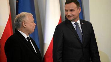 13.11.2015, Warszawa, poseł Jarosław Kaczyński i prezydent Andrzej Duda podczas uroczystego desygnowania Beaty Szydło na premiera.