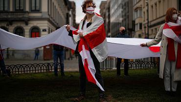 Upamiętnienie białoruskiego Dnia Wolności przez przeciwników Aleksandra Łukaszenki w Brukseli, 25 marca 2021 r.