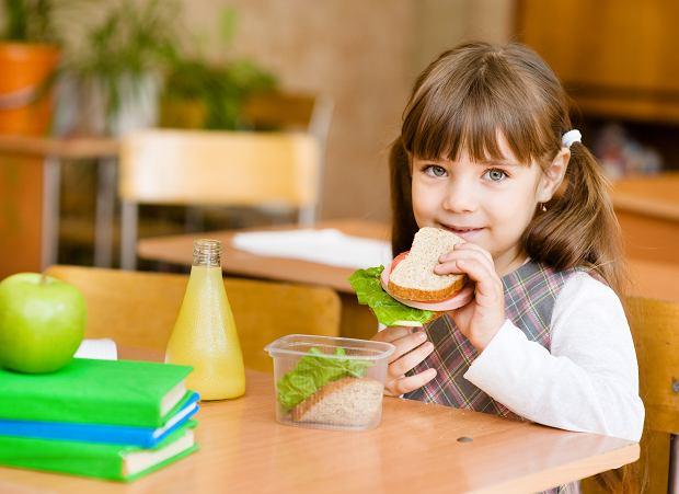 """""""Leniwa"""" matka przygotowała kanapki na dwa tygodnie i je zamroziła, żeby zaoszczędzić czas na przygotowaniu posiłków dla dzieci. Naprawdę wyglądają tak okropnie?"""