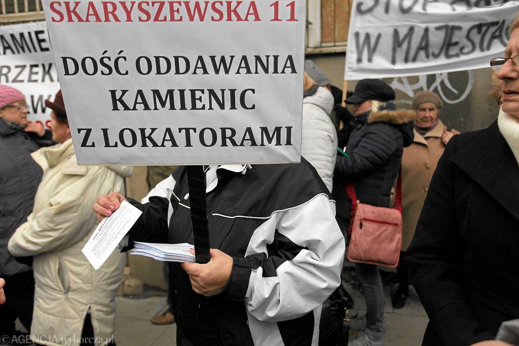 Protest pod zreprywatyzowaną kamienicą przy ul. Skaryszewskiej 11 w Warszawie