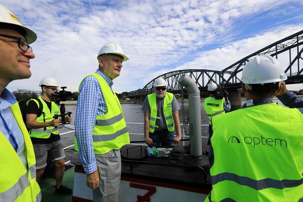 Zdjęcie numer 1 w galerii - Dziennikarze sprawdzali, jak przebiega rozbudowa starego mostu za 123 mln zł [GALERIA]