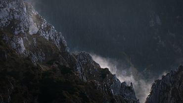 IMGW zapowiada burze nad Tatrami, Sudetami, Beskidami i Bieszczadami. Zdjęcie ilustracyjne