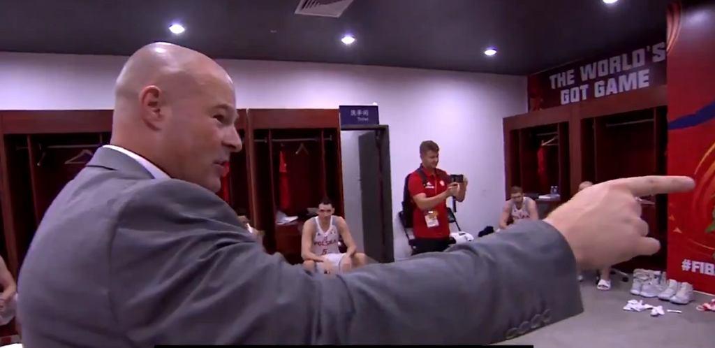 Mike Taylor przemawia do polskich koszykarzy