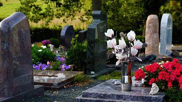 cmentarz, pogrzeb, świadczenie pogrzebowe
