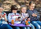 """Kolonie bez telefonów to podobno same plusy, ale nie wszyscy rodzice tak sądzą. """"Drżę z niepewności"""""""