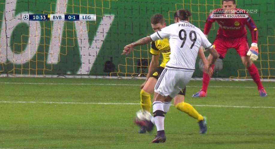 Aleksandar Prijović strzela gola
