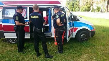 Dwóch nastolatków z Ostrowca trafiło do szpitala. Prawdopodobnie zazyli dopalacze