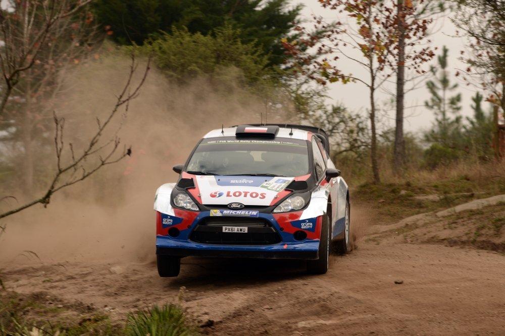 Robert Kubica w Fordzie Fiesta RS WRC ekipy RK M-Sport po odcinku testowym Rajdu Argentyny ulokowanym niedaleko bazy rajdu w Villa Carlos Paz