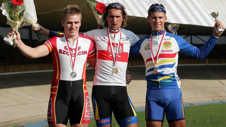 Mistrzostwa Polski w kolarstwie. Od lewej: Damian Zieliński, Łukasz Kwiatkowski i Mateusz Jędrzejczyk