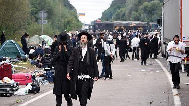 Żydowscy pielgrzymi na granicy białorusko-ukraińskiej.