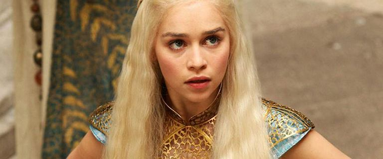 E.Clarke: Gdy ktoś mówił mi, że kocha Daenerys, myślałam: Nie będziesz mieć za co