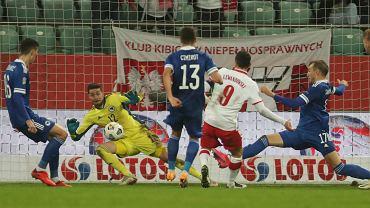 Polska - Bośnia i Hercegowina, Robert Lewandowski strzela bramkę na 2:0