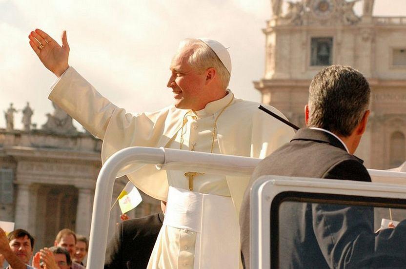 Kadr z filmu 'Papież, który pozostał człowiekiem'